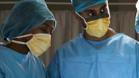 Two-Surgeons-Nodding-and-Talking
