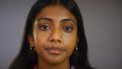 Retrato-Emocional-De-Mujer-Joven