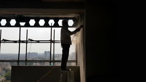 Trabajador-De-La-Construcción-Trabajando-Sin-Equipo-De-Seguridad-En-Condiciones-Peligrosas-En-La-India