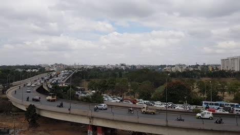 Zeitraffer-Video-Der-Hauptverkehrszeit-In-Der-Zinnfabrik-Überführung-Krishnarajapuram-Bangalore-Karnataka-Indiennat