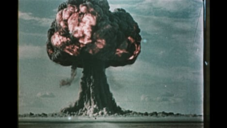 1950s-Soviet-Nuclear-Bomb-Test-Explosion-01