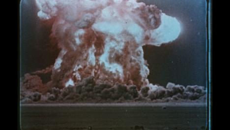 1950-Explosión-De-Examen-De-Bomba-Nuclear-Soviética-03