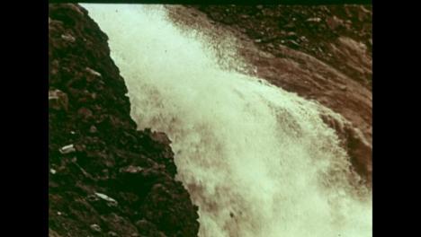 1965-Agua-Bombeada-Al-Cráter-Hecha-Por-Una-Bomba-Nuclear-Soviética