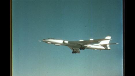 Tu-16-Sowjetisches-Flugzeug-Das-Vom-Testgelände-In-Semipalatinsk-Abhebt