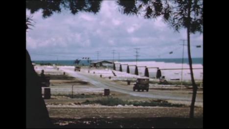 1945-Fat-Man-Y-Little-Boy-Preparativos-De-La-Bomba-Atómica-En-Tinian-Island-002