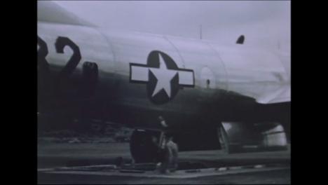 1945-Fat-Man-Y-Little-Boy-Preparativos-De-La-Bomba-Atómica-En-Tinian-Island-013