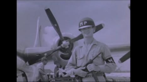 1945-Fat-Man-Y-Little-Boy-Preparativos-De-La-Bomba-Atómica-En-Tinian-Island-020