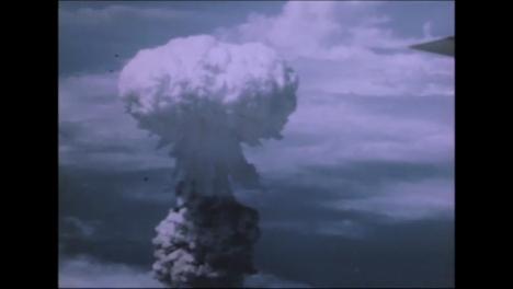 1945-Bockscar-Dropping-Fat-Man-Atomic-Bomb-On-Nagasaki-02