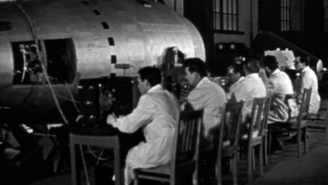 1961-Montage-Der-Zarsowjetischen-Atombombe-Auf-Dem-Luftwaffenstützpunkt-Olenya