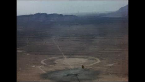 Clip-De-Archivo-Del-Cráter-Dejado-Por-La-Prueba-De-La-Bomba-Atómica-Trinity-02