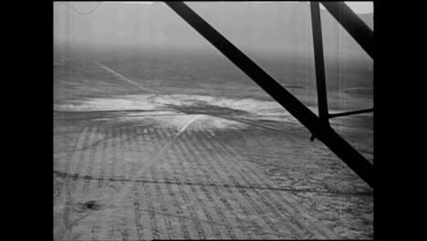 Clip-De-Archivo-De-La-Película-De-Gira-De-Inspección-De-Bomba-Atómica-De-Trinity-Press-01