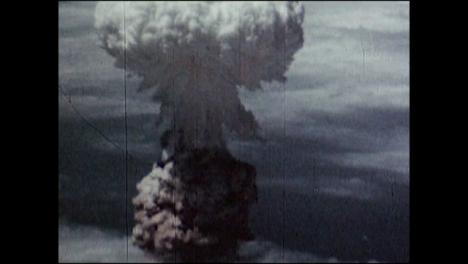 1945-Nagasaki-Atomic-Bomb-Explosion-05