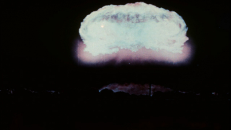 1952-Resultado-De-La-Prueba-De-Bomba-Atómica-Knothole-Grable-02