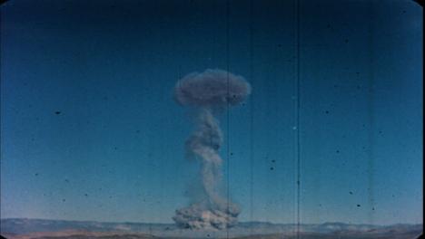 1951-Buster-Easy-Prueba-De-Bomba-Atómica-En-Nevada-01