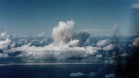 1946-Baker-Atomic-Bomb-During-Operation-Crossroads-at-Bikini-Atoll-004