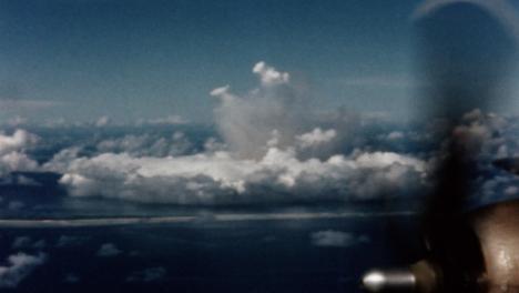1946-Baker-Atomic-Bomb-During-Operation-Crossroads-at-Bikini-Atoll-005