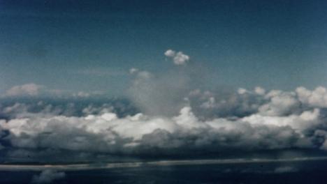 1946-Baker-Atomic-Bomb-During-Operation-Crossroads-at-Bikini-Atoll-006
