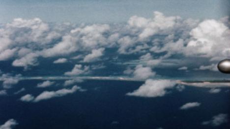 1946-Baker-Atomic-Bomb-During-Operation-Crossroads-at-Bikini-Atoll-010