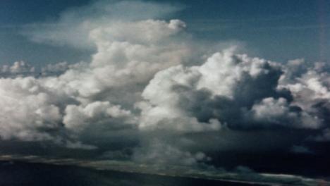 Bomba-Atómica-Baker-De-1946-Durante-La-Operación-Crossroads-At-Bikini-Atoll-016