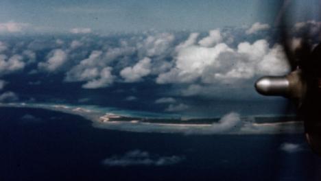 1946-Baker-Atomic-Bomb-During-Operation-Crossroads-at-Bikini-Atoll-018