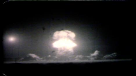 1957-Priscilla-Explosión-De-Una-Bomba-Atómica-Durante-La-Operación-Plumbbob-02