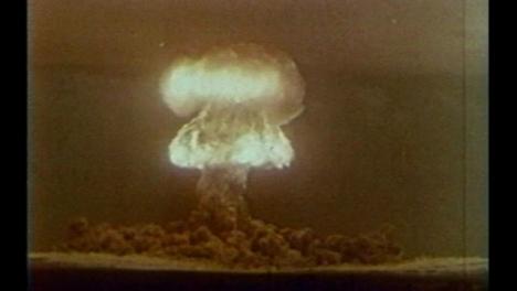 Archiv-Clip-Des-Atombomben-Detonationstests-Mitte-Des-20-Jahrhunderts-04