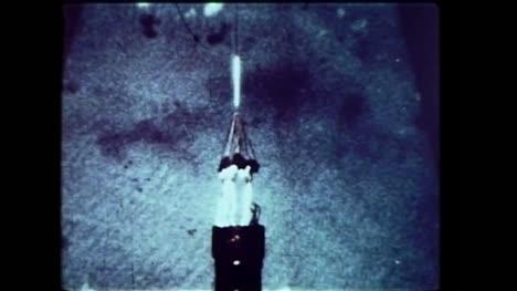 Archivclip-Eines-Amerikanischen-Bombers-Der-Während-Der-Operation-Dominic-01-Eine-Wasserstoffbombe-Abwirft