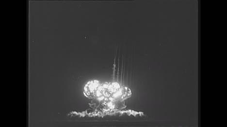 1960-Examen-De-Detonación-De-Una-Bomba-Atómica-Francesa-En-Argelia