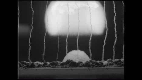 Archive-Clip-of-Nuclear-Bomb-Explosión-03