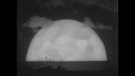 Archive-Clip-of-Nuclear-Bomb-Explosión-06
