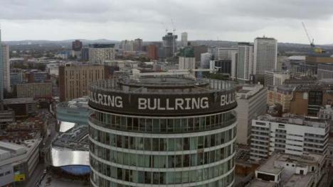 Disparo-De-Drone-Orbitando-El-Edificio-De-La-Rotonda-En-Birmingham