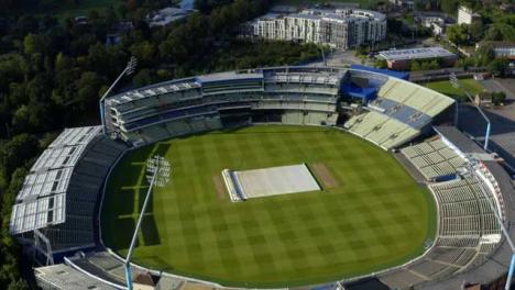 Drone-Shot-Volando-Sobre-Edgbaston-Cricket-Ground-01