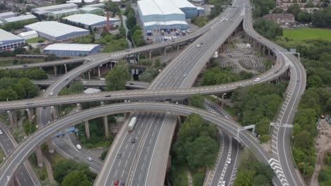 Drohnenschuss-Fliegt-Von-Der-Spaghetti-Kreuzung-In-Birmingham-Weg