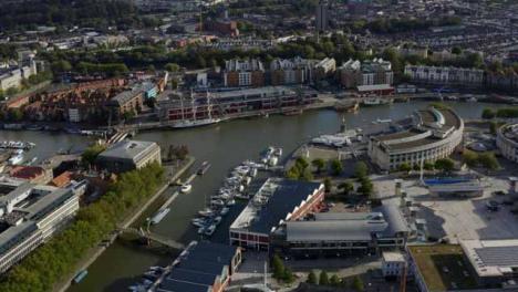 Drone-Shot-Orbitando-Bristol-Waterfront-01