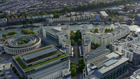 Drohnenschuss-Nähert-Sich-Bristol-Waterfront-01