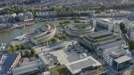 Drone-Shot-Orbitando-Bristol-Waterfront-02