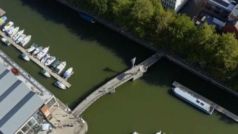 Drone-Shot-Orbitando-Bristol-Waterfront-11