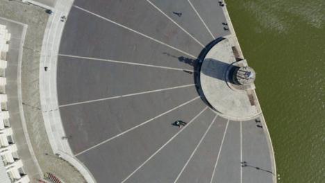 Disparo-De-Drone-Cenital-Alejándose-De-Bristol-Waterfront-02