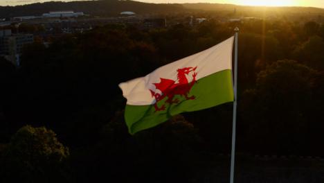 Disparo-De-Drone-De-Bandera-Galesa-Sobre-El-Castillo-De-Cardiff-02