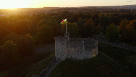 Drohnenschuss-Im-Orbit-Von-Cardiff-Castle-04