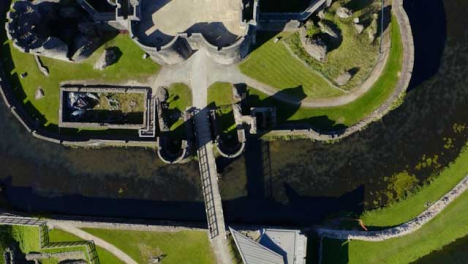 Disparo-De-Drone-Pasando-Sobre-El-Castillo-De-Caerphilly-02