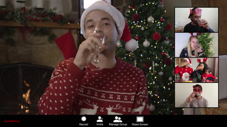 El-Hombre-Saluda-A-Los-Amigos-En-La-Videollamada-De-Navidad