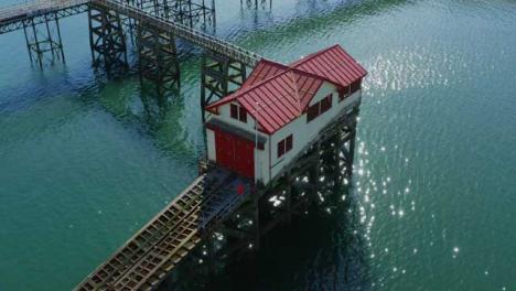 Drone-Shot-Orbitando-Mumbles-Pier-En-Swansea-08