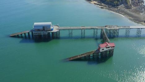 Drone-Shot-Orbitando-Mumbles-Pier-En-Swansea-10