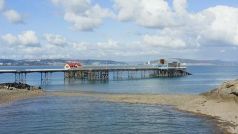 Drone-Shot-Approaching-Mumbles-Pier-In-Swansea-06