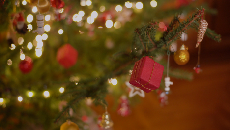 Extreme-Close-Up-Of-Christmas-Background-Decorated-Christmas-Tree-3