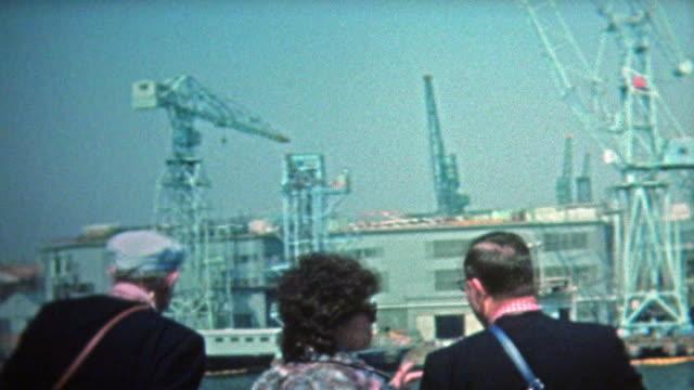 1972:-Kyoto-al-contenedor-grúas-y-puerto-de-alta-tecnología-