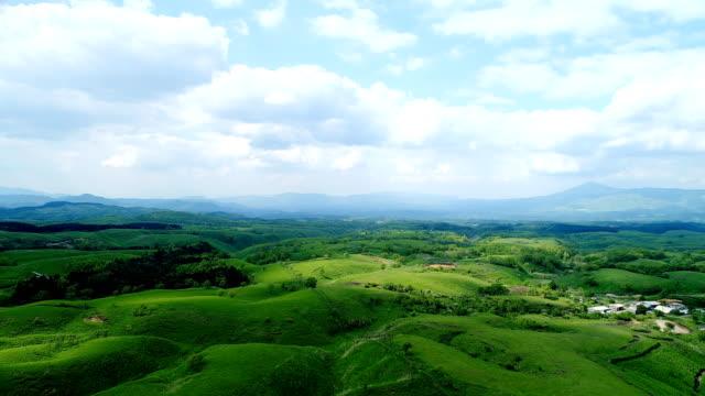 Landschaft-des-Aso-in-Japan