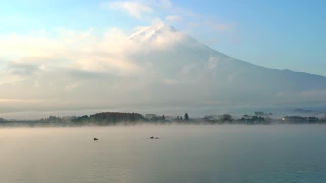 Mountain-Fuji-and-Kawaguchiko-lake-with-morning-mist-in-autumn-season