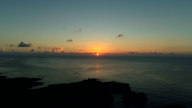 the-beautiful-seascape-at-Okinawa-in-Japan